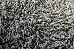 Βαθύ δασύτριχο γκρίζο υπόβαθρο σύστασης γουνών Στοκ Εικόνα