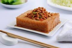 Βαθύ βαλμένο φωτιά Tofu και τεμαχισμένο κρέας στοκ φωτογραφία με δικαίωμα ελεύθερης χρήσης