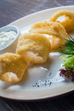 Βαθύ τηγανισμένο κτύπημα calamari δαχτυλιδιών καλαμαριών Στοκ φωτογραφία με δικαίωμα ελεύθερης χρήσης