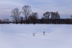 Βαθύ χιόνι κάπου στη Σιβηρία στοκ εικόνες