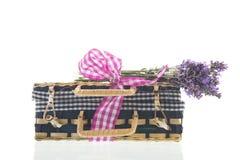 Βαλίτσα με Lavender Στοκ φωτογραφία με δικαίωμα ελεύθερης χρήσης