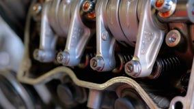 Βαλβίδες και μηχανισμοί βαλβίδων στη μηχανή μοτοσικλετών Μηχανή μοτοσικλετών αξόνων απόθεμα βίντεο