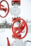 Βαλβίδες της γραμμής παραγωγής πετρελαίου Στοκ Εικόνα