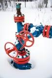 Βαλβίδες της γραμμής παραγωγής πετρελαίου Στοκ Φωτογραφία