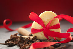 βαλεντίνος καρδιών μπισκό& Στοκ Εικόνα