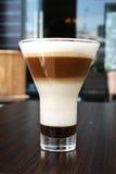 Βαλμένη σε στρώσεις ειδικότητα καφέ Στοκ Εικόνες