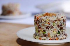 Βαλμένο φωτιά ρύζι με το μικτό λαχανικό στοκ φωτογραφίες με δικαίωμα ελεύθερης χρήσης