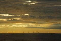 Βαλτικό ηλιοβασίλεμα ανεμόμυλων Στοκ φωτογραφία με δικαίωμα ελεύθερης χρήσης