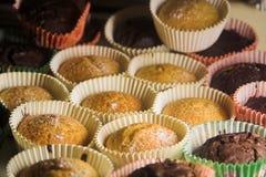 βανίλια σοκολάτας cupcakes Στοκ φωτογραφίες με δικαίωμα ελεύθερης χρήσης