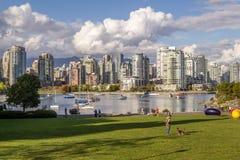 Βανκούβερ, Καναδάς - 18 Σεπτεμβρίου 2016 Ψεύτικος κολπίσκος και κεντρικός Στοκ εικόνα με δικαίωμα ελεύθερης χρήσης