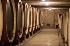βαρέλια κρασιού κελαριώ&nu στοκ φωτογραφία με δικαίωμα ελεύθερης χρήσης