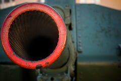 Βαρέλι πυροβολισμού των βαριών όπλων πυροβολικού Στοκ φωτογραφίες με δικαίωμα ελεύθερης χρήσης
