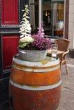 Βαρέλι με τα λουλούδια σε το Στοκ φωτογραφία με δικαίωμα ελεύθερης χρήσης