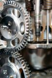 Βαραίνω, εργαλεία και ρόδες μέσα στη μηχανή φορτηγών Στοκ Φωτογραφίες