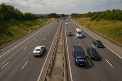 Βαριά κυκλοφορία στο M1 αυτοκινητόδρομο Στοκ φωτογραφίες με δικαίωμα ελεύθερης χρήσης