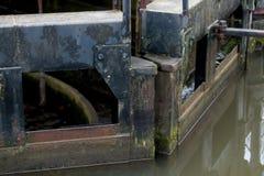 Βαριά ξύλινη κλειδαριά Γκέιτς Στοκ φωτογραφία με δικαίωμα ελεύθερης χρήσης