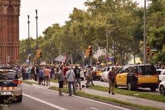 Βαρκελώνη, Ισπανία - 25 Ιουλίου 2018: Οι οδηγοί TAXI καταδεικνύουν ενάντια στην αδικία με τις αφίσες, τις σημαίες και τη βόμβα κα στοκ εικόνες με δικαίωμα ελεύθερης χρήσης
