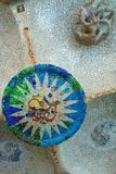 Βαρκελώνη, Ισπανία στις 4 Σεπτεμβρίου 2018: Ένα από τα μοναδικά κεραμίδια Gaudà ` s στο πάρκο Guell στοκ εικόνες