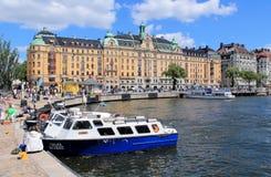 ΒΑΡΚΕΣ ΣΤΗΝ ΑΠΟΒΑΘΡΑ ΣΤΗ ΣΟΥΗΔΙΑ Στοκ εικόνες με δικαίωμα ελεύθερης χρήσης