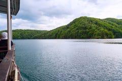 βαρκών της Κροατίας προορισμού πορθμείων δημοφιλής τουρίστας plitvice αποβαθρών πάρκων λιμνών εθνικός Στοκ φωτογραφία με δικαίωμα ελεύθερης χρήσης