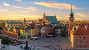 Βαρσοβία, βασιλικό κάστρο και παλαιά πόλη στο ηλιοβασίλεμα Στοκ φωτογραφία με δικαίωμα ελεύθερης χρήσης