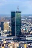 Βαρσοβία/Πολωνία - 03 16 2017: Κάθετη άποψη το ψηλό γυαλί που γίνεται σχετικά με το ξενοδοχείο Marriott Στοκ Εικόνες
