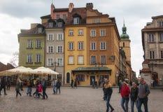 Βαρσοβία, Πολωνία, στις 21 Απριλίου 2019 - οδοί στη Βαρσοβία, περίπατος μέσω της παλαιάς πόλης στοκ εικόνα