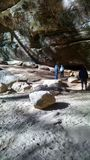 Βαρύς σκιασμένος βράχος Στοκ φωτογραφία με δικαίωμα ελεύθερης χρήσης
