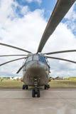 Βαρύ ελικόπτερο φορτίου ανελκυστήρων mi-26 Στοκ Εικόνα