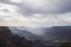 Βαρύ cloudiness στο μεγάλο φαράγγι στοκ εικόνα