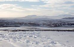Βαρώνος Snowscape και βουνά Στοκ Εικόνα