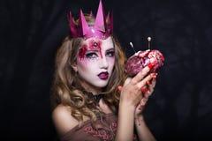 Βασίλισσα με την καρδιά Στοκ εικόνα με δικαίωμα ελεύθερης χρήσης