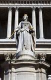 Βασίλισσα Anne Statue μπροστά από τον καθεδρικό ναό του ST Paul Στοκ Εικόνες