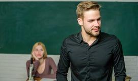 Βασανισμένος με τη γνώση Δάσκαλος των ονείρων της Όμορφος δάσκαλος Εκπαίδευση σχολείου και κολλεγίων Επιτυχώς βαθμολογημένος στοκ εικόνα