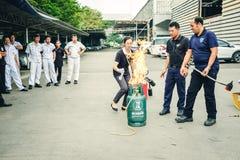 Βασική κατάρτιση τρυπανιών πυρκαγιάς προσβολής του πυρός και εκκένωσης σε Octobe στοκ εικόνα με δικαίωμα ελεύθερης χρήσης