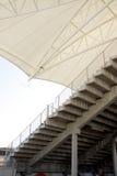 βασική στέγη εξεδρών επισήμων που εμφανίζει δευτερεύοντα βήματα Στοκ Εικόνες