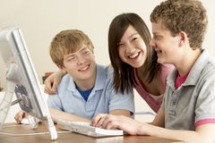 βασικοί έφηβοι υπολογι& στοκ εικόνες με δικαίωμα ελεύθερης χρήσης