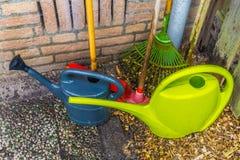 Βασικός ουσιαστικός εξοπλισμός κηπουρών για τον εγχώριο κήπο στοκ φωτογραφίες με δικαίωμα ελεύθερης χρήσης