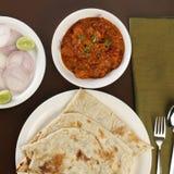 Βασικό κάρρυ βόρειου ινδικό βουτύρου κοτόπουλου στοκ εικόνα