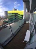 Βασιλικές δρύινες απόψεις σπιτιών από το μπαλκόνι στοκ εικόνες
