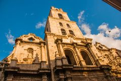 Βασιλική Menor de Σαν Φρανσίσκο de Asis Καθεδρικός ναός του ST Francis Άποψη της εκκλησίας από το κατώτατο σημείο επάνω ενάντια σ Στοκ φωτογραφία με δικαίωμα ελεύθερης χρήσης