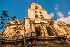 Βασιλική Menor de Σαν Φρανσίσκο de Asis Καθεδρικός ναός του ST Francis Άποψη της εκκλησίας από το κατώτατο σημείο επάνω ενάντια σ Στοκ φωτογραφίες με δικαίωμα ελεύθερης χρήσης