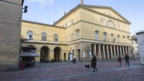 Βασιλικό θέατρο στην Πάρμα, Ιταλία, σε ένα ηλιόλουστο έγκαιρο σφάλμα χειμερινής ημέρας απόθεμα βίντεο