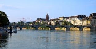 Βασιλεία - παλαιά πόλη, Mittlerebrücke, Ρήνος, Fluss, Μ Στοκ Φωτογραφίες