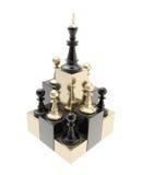Βασιλιάς σκακιού στην κορυφή μεταξύ των πολλαπλάσιων ενέχυρων που απομονώνονται ελεύθερη απεικόνιση δικαιώματος