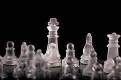 Βασιλιάς στον πίνακα σκακιού γυαλιού 2 Στοκ Φωτογραφίες