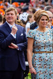 Βασιλιάς Willem-Αλέξανδρος και xima ¡ βασίλισσας MÃ των Κάτω Χωρών, βασιλιάς ` s ημέρα 2014, Amstelveen, οι Κάτω Χώρες Στοκ εικόνες με δικαίωμα ελεύθερης χρήσης