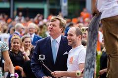 Βασιλιάς Willem-Αλέξανδρος και xima ¡ βασίλισσας MÃ των Κάτω Χωρών, βασιλιάς ` s ημέρα 2014, Amstelveen, οι Κάτω Χώρες Στοκ Εικόνες