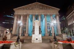 Βασιλική ανταλλαγή του Λονδίνου που χτίζει τη νύχτα μέσα το Λονδίνο στοκ φωτογραφία με δικαίωμα ελεύθερης χρήσης