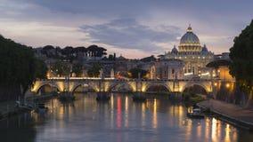 Βασιλική και Ponte Sant Angelo του ST Peter ` s στο σούρουπο σε Βατικανό CI Στοκ φωτογραφία με δικαίωμα ελεύθερης χρήσης